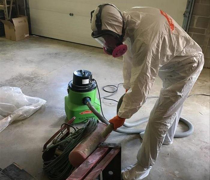 Mold Remediation Black Hawk County Residents:  Follow These Mold Safety Tips If You Suspect Mold